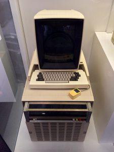 Xerox Alto, le premier ordinateur à interface graphique (GUI)